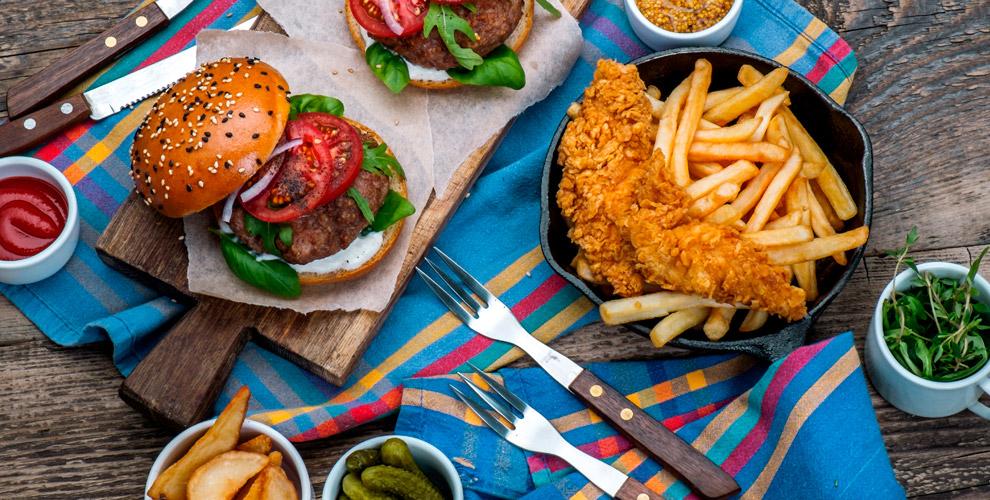 Чевапчичи, плескавица, шашлык, американо, латте вкафе сербской кухни«БАЛКАН КИНГ»